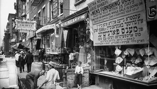 Foto på judiska kvarter i New York runt sekelskiftet