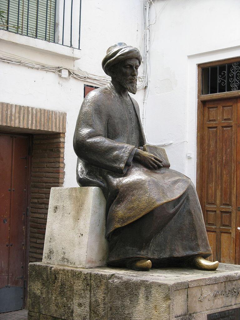 Foto på staty av Moses Maimonides